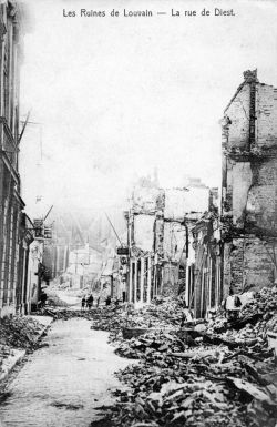 The ruins of Leuven after the German bombings. (Collections Cegesoma, fund Dochain, N°564580)