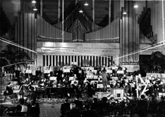 Concert à Radio Bruxelles pendant la Seconde Guerre mondiale. (Collection CEGESOMA (Belgapress), photo n° 12076)