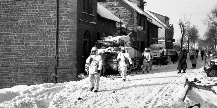 Dans le Saillant des Ardennes, Saint Vith 1945, photo n° 96546, collection Algoet, © CegeSoma/Archives de l'Etat