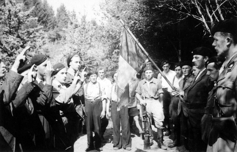 Armée Secrète.Zone V, secteur 5, Groupe D - Août 1944: cérémonie de prestation de Serment, Photo n° 27912 © CegeSoma/Archives de l'Etat